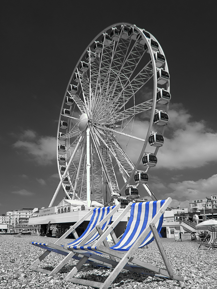 Brighton wheel and deck chairs0758